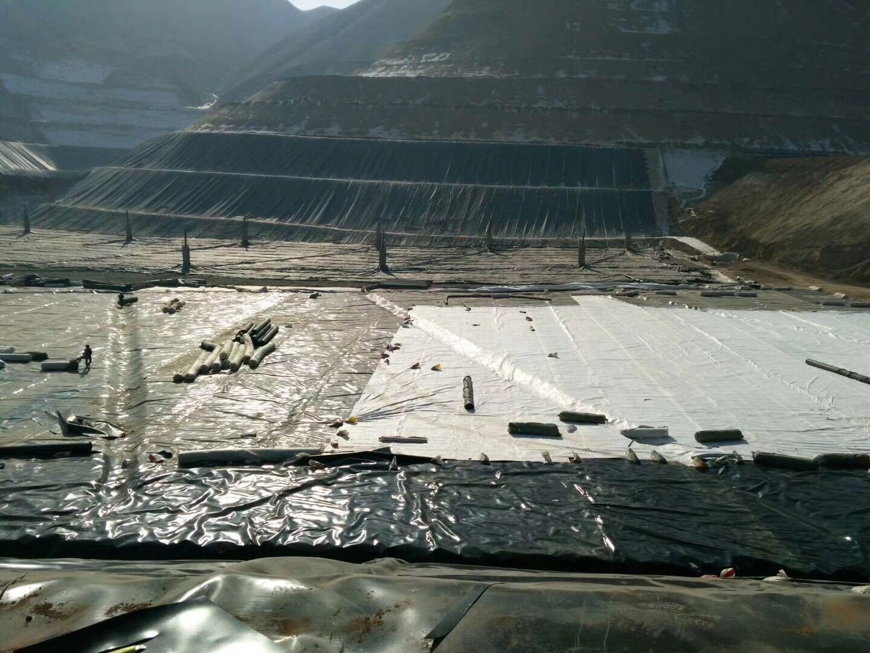 甘肃兰州污泥处理采用高密度聚乙烯土工膜1.5mm厚度,600g长丝土工布